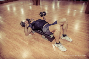 Dumbbell Bench Press inizio - Personal Trainer Taranto - Lanza Personal Trainer