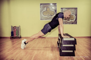 Push up inclinata su panca- Personal trainer Taranto - Calisthenics - circuito training