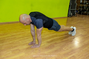 Diamond Push Up - inizio - Personal Trainer Taranto - Lanza Personal Trainer