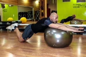 Rollout con palla svizzera - fine - Personal Trainer Taranto - fitness